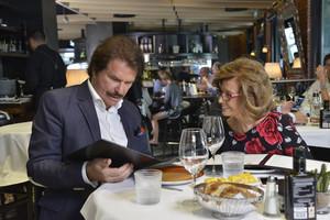 María Teresa Campos y su pareja, Edmundo Arrocet, en un momento del programa Las Campos.