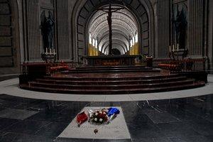 Tumba del dictador Francisco Franco en el Valle de los Caídos.