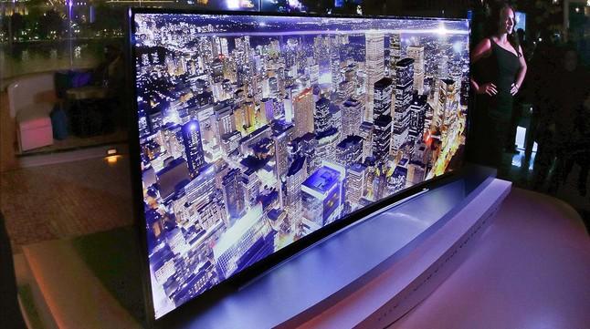 Televisor de ultra alta definición (UHD) o 4K.