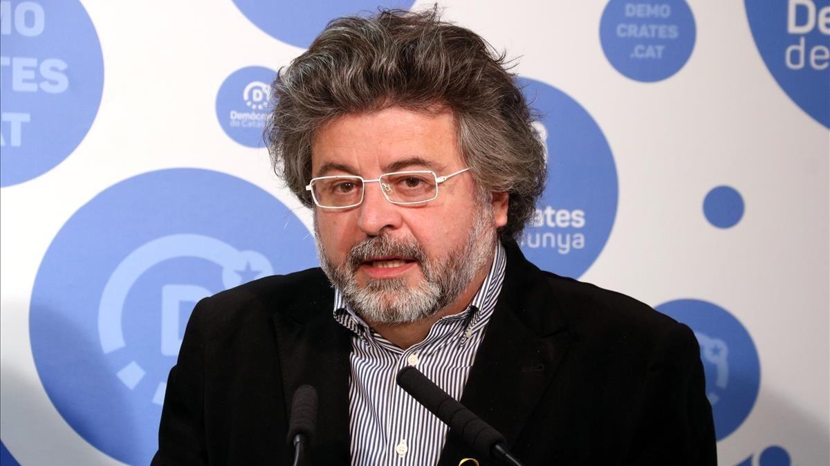 Antoni Castellà no se opondría a la renuncia de los 'exconsellers' en Bruselas para no perder la mayoría independentista.