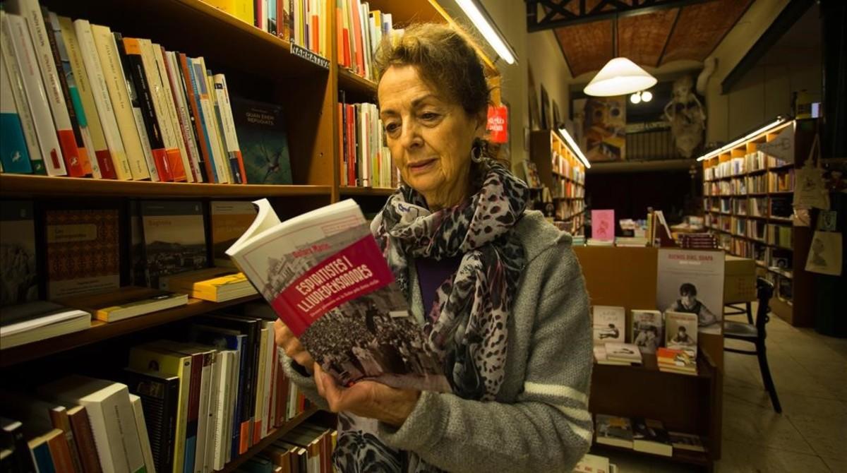 Àngels Grases, en la librería Pròleg.
