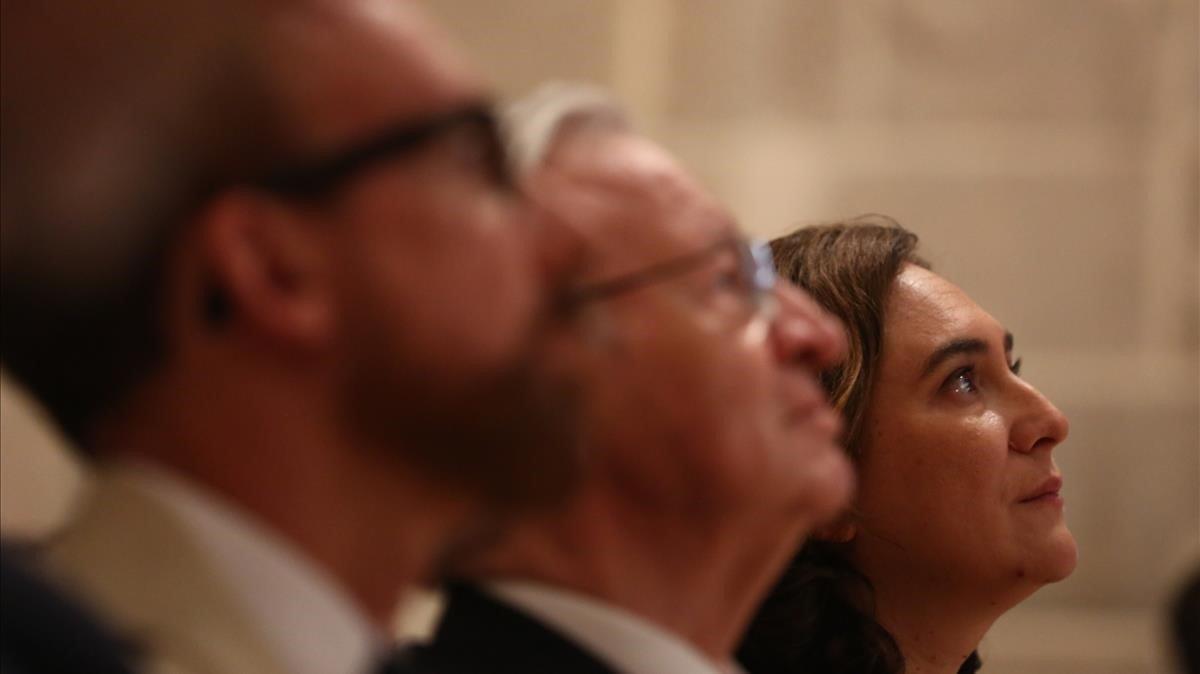 Miquel Forns, Miquel Valls y Ada Colau, en la presentación.