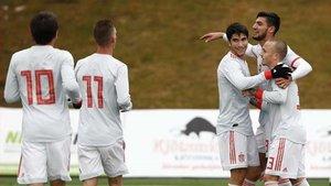 Los jugadores de la sub 21 celebran uno de los siete goles marcados a Islandia.