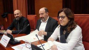 Saül Gordillo, Vicent Sanchis y Nuria Llorach,en la comisión de control de la Corporacio Catalana de Mitjans Audiovisuals (CCMA) en el Parlament.