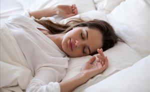 Substitueix els teus hàbits tòxics d'anar al llit per aquests quatre