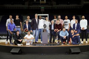 Foto de familia en la presentación de la Liga Endesa.
