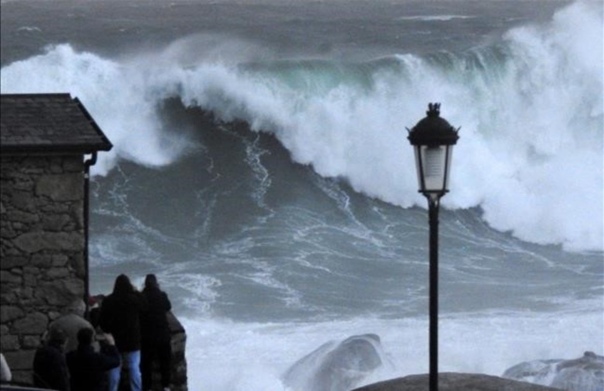 Oleaje en la costa de Muxia (A Coruña).