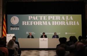 La oposición en pleno rechaza el Pacto por la Reforma Horaria