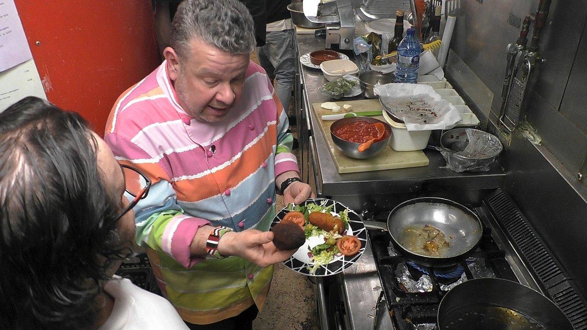 Alberto Chicote en la cocina de 'La Tarantella' durante la nueva entrega de 'Pesadilla en la cocina'.
