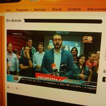 El alcaldable socialista de Mataró, David Bote, durante su comparencia en m1tv, la televisión local de Mataró y el Maresme.