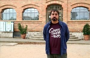 El alcalde de Celrà, Dani Cornellà, frente al consistorio, este martes.