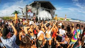 Ambiente muy caldeado en el Reggaeton Beach Festival, celebrado este sábado en la playa del Fòrum