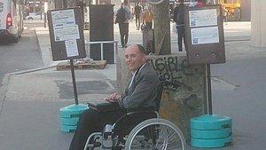 El discapacitado al que los pasajeros no ayudaron a subir al autobús.