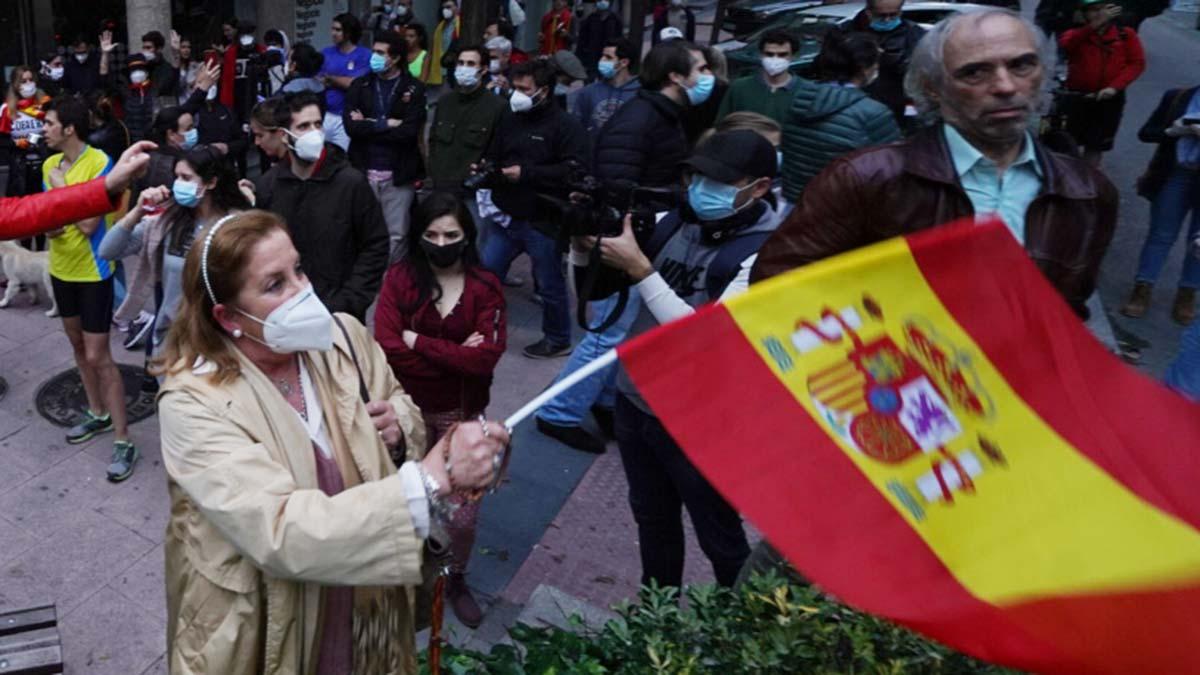 Barrios ricos y ultras de Madrid desafían el estado de alarma.