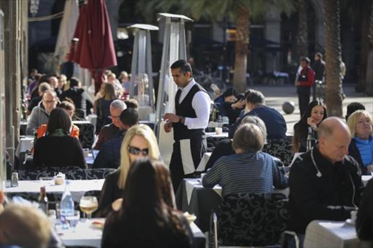 La Hostelería y Turismoes el área con mayor exigencia deidiomas extranjeros (43,6%).