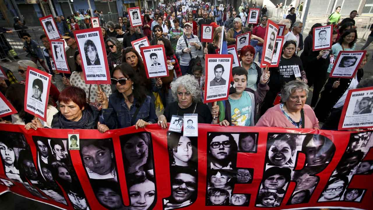 Más de 3.200 personas perdieron la vida en los 17 años que duró la dictadura de Pinochet.