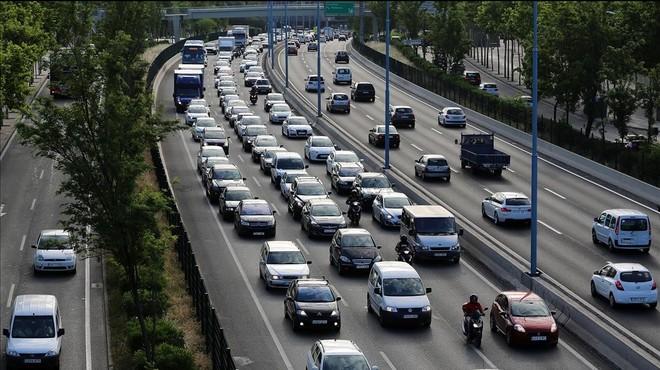 El área metropolitana coordina el veto al tráfico por zonas y horarios en días de alta polución