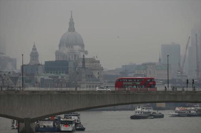 CIUDAD CON HUMOS.El alcalde de Londres decretó en enero el estado de emergencia durante varios días.