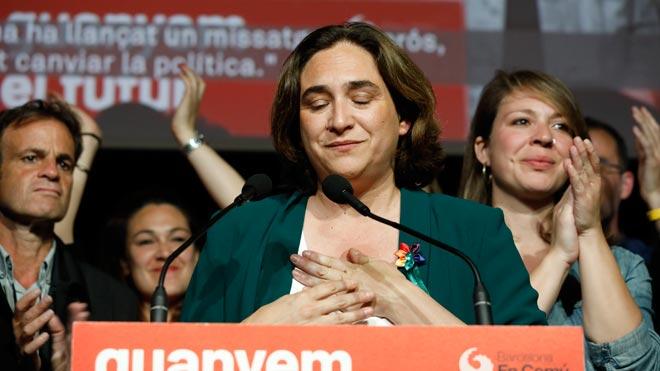 Colau pide a Maragall un gobierno amplio de izquierdas.