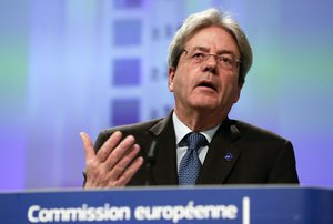 Brussels (Belgium), 13/02/2020.- European Commissioners in charge of Economy Paolo Gentiloni gives a press on Winter 2020 interim economic forecast of the European Commission in Brussels, Belgium, 13 February 2020. (Bélgica, Bruselas) EFE/EPA/OLIVIER HOSLET
