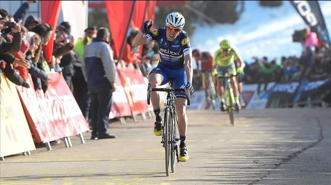 Solo el irlandés Martin se le escapa a Contador en la llegada a La Molina