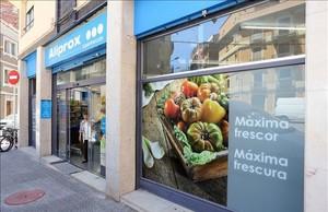 Caprabo obre petits supermercats amb horari estès