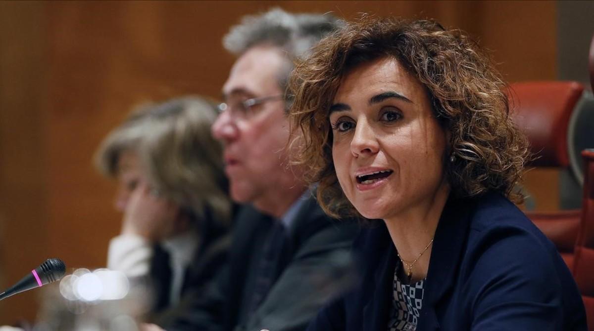 Dolors Montserrat, ministra de Sanidad en el Senado, este jueves.