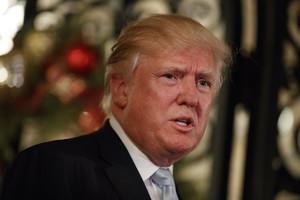 Donald Trump habla con la prensa, el miércoles en Palm Beach (Florida).