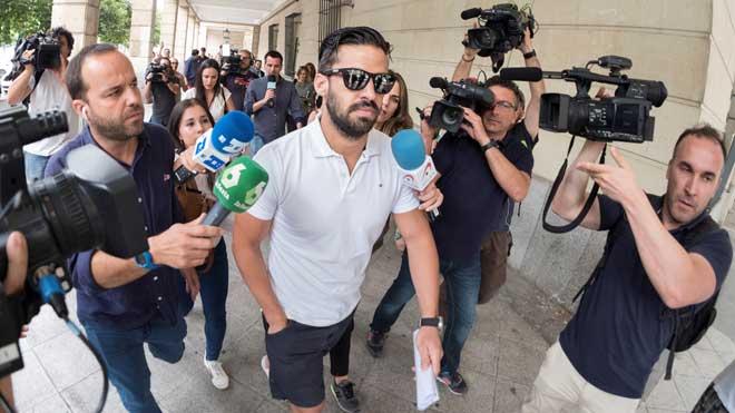 La Fiscalía ve riesgo de fuga del miembro de La Manada que pidió su pasaporte.
