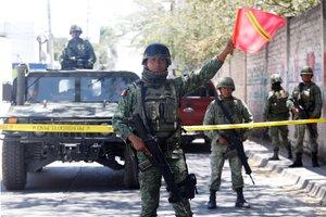 La búsqueda fue coordinada por la Comisión Estatal y protegida por militares del Ejército Mexicano, Policías Federales y policías estatales en camionetas blindadas.