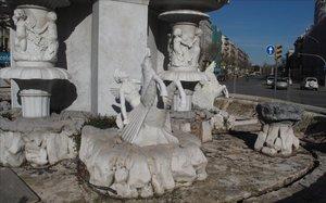 La fuente de Pla de Palau, en Barcelona, sin agua, en una imagen de archivo.
