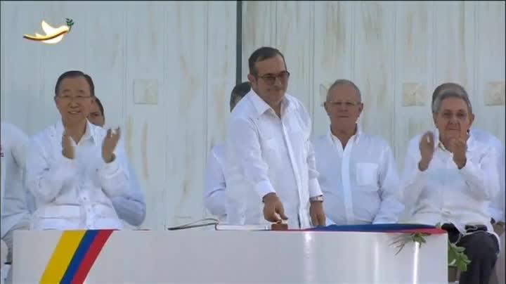 El Gobierno de Colombia y las FARC firman la paz