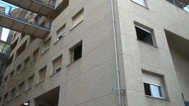 Mor una dona en un incendi al passeig de la Zona Franca de Barcelona