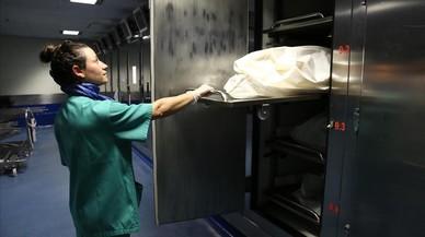 Una autopsia: 100 receptores de tejidos