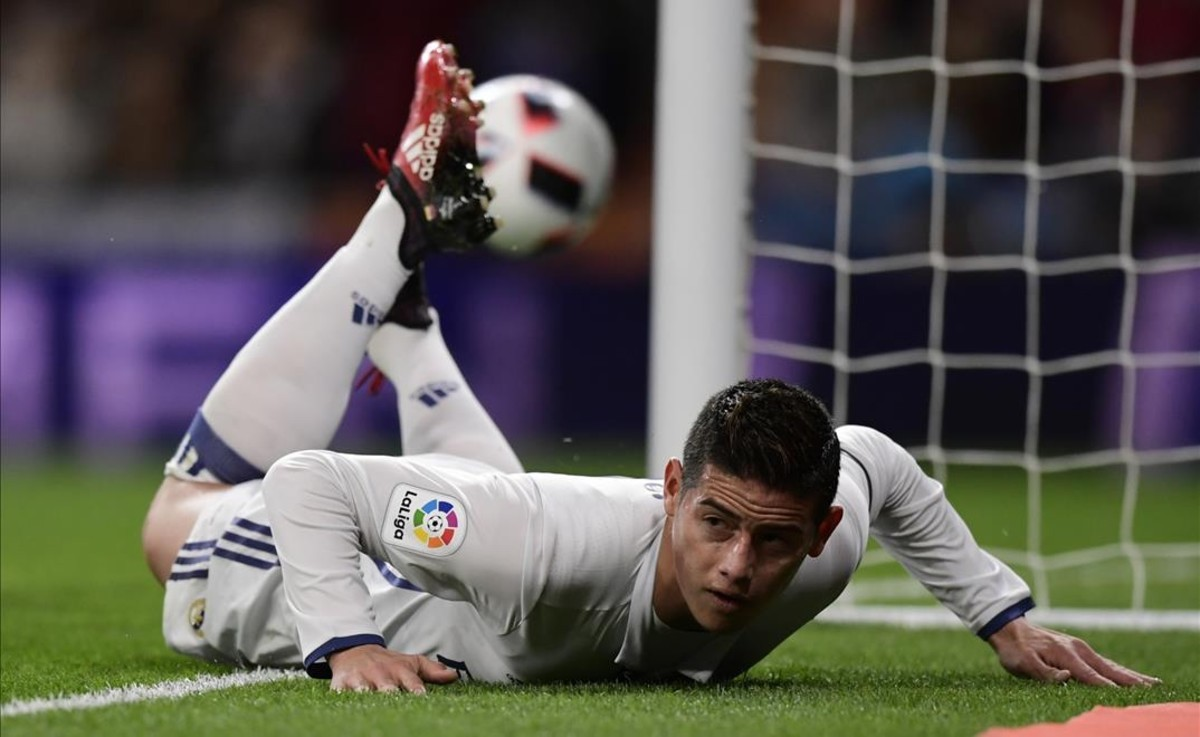 James Rodríguez en un partido con el Real Madrid