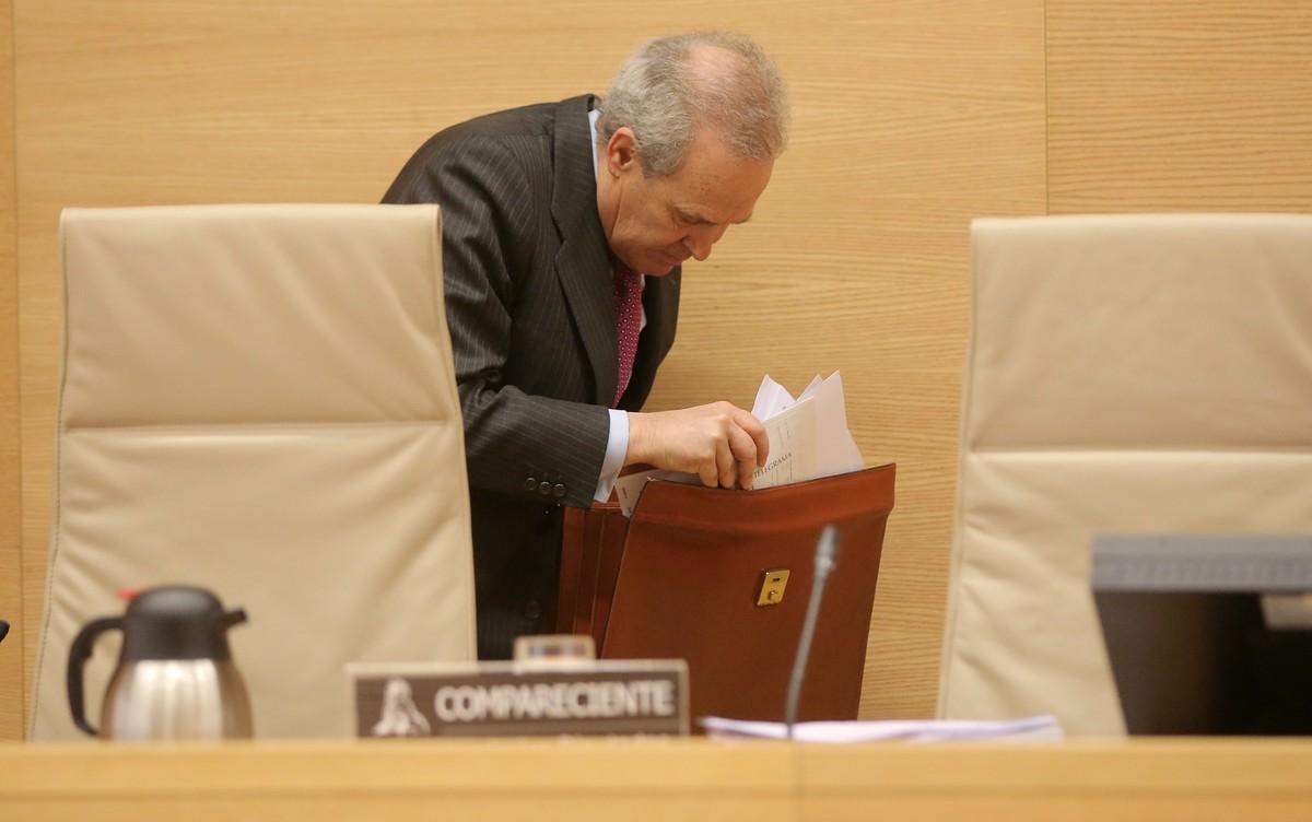 Jeronimo Martinez Tello, exdirector de supervisión del Banco de España, en la comisión de investigación de la crisis del Congreso.