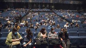 Público en el Festival Guitar BCN, esperando la actuación de Els Amics de les Arts, el pasado 16 de octubre.