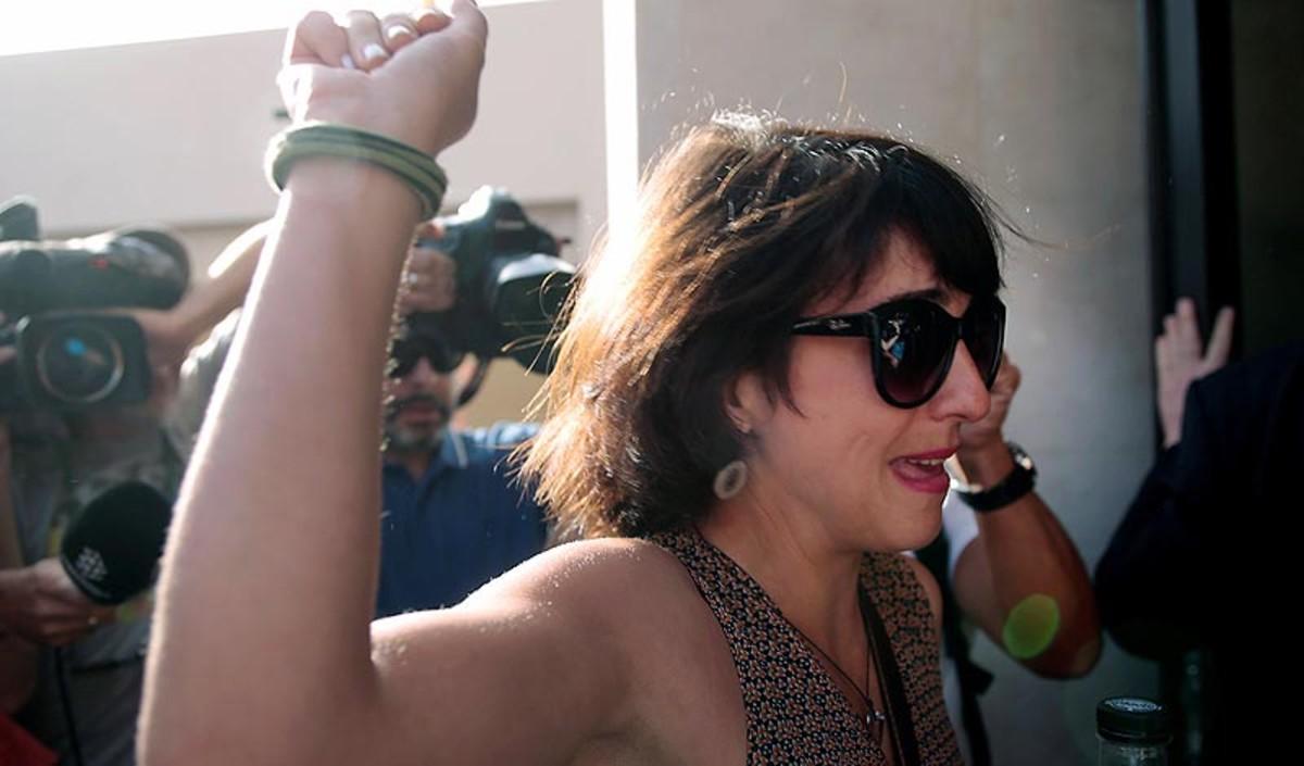 Juana Rivas, a la entrada del juzgado de Granada.