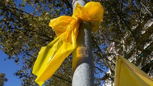 Un lazo amarillo en Barcelona.