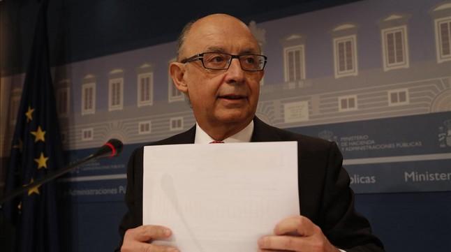 El ministro de Hacienda, Cristóbal Montoro, en rueda de prensa.