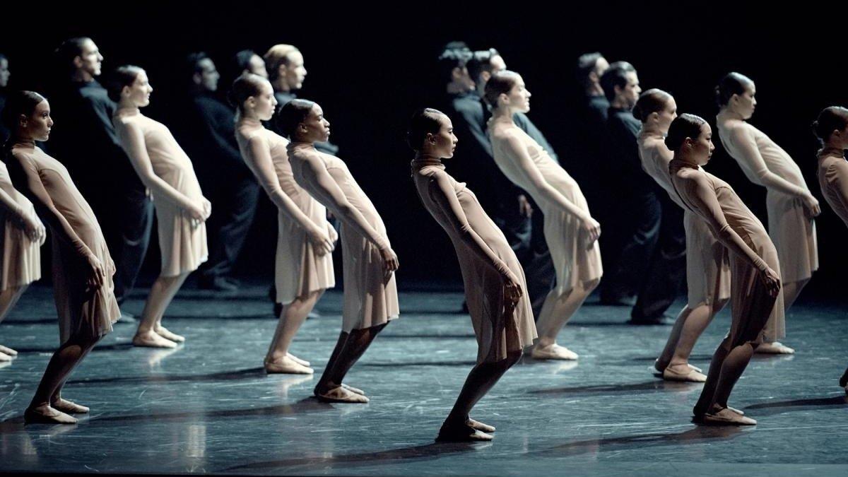 Momento de la representación del 'Stabat Mater' a cargo de los Ballets Canadiens de Montréal