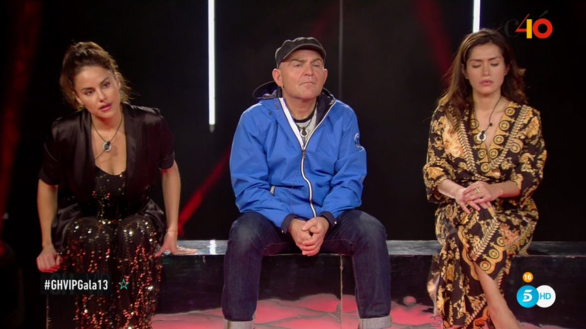 Mónica Hoyos, El Koala y Mónica Hoyos en la sala de expulsión de GH VIP.