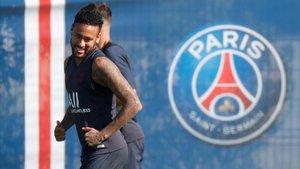 Neymar, en el entrenamiento del PSg previo al duelo con el Toulouse.