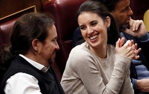 Pablo Iglesias e Irene Montero (Unidas Podemos) en la segunda jornada del debate de investidura de Pedro Sánchez.