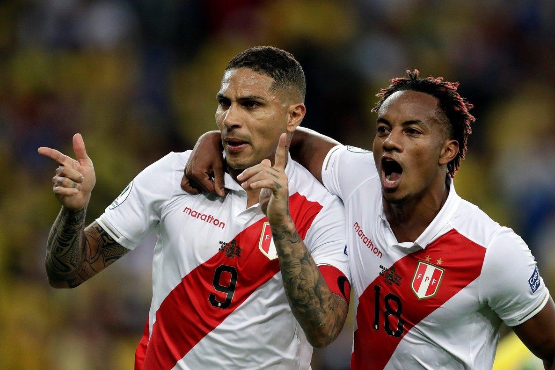 El peruano Paolo Guerrero no defraudó y se convirtió uno de los máximos goleadores de la Copa América, junto con Everton de Brasil.