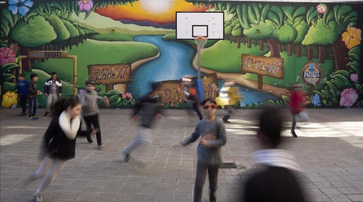 El patio de una escuela de Barcelona.