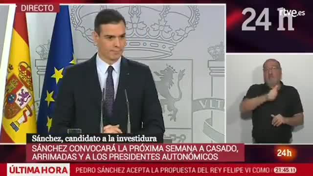 Momento en que el periodista Daniel Basteiro protesta por el hecho de que Sánchez sólo acepte dos preguntas.