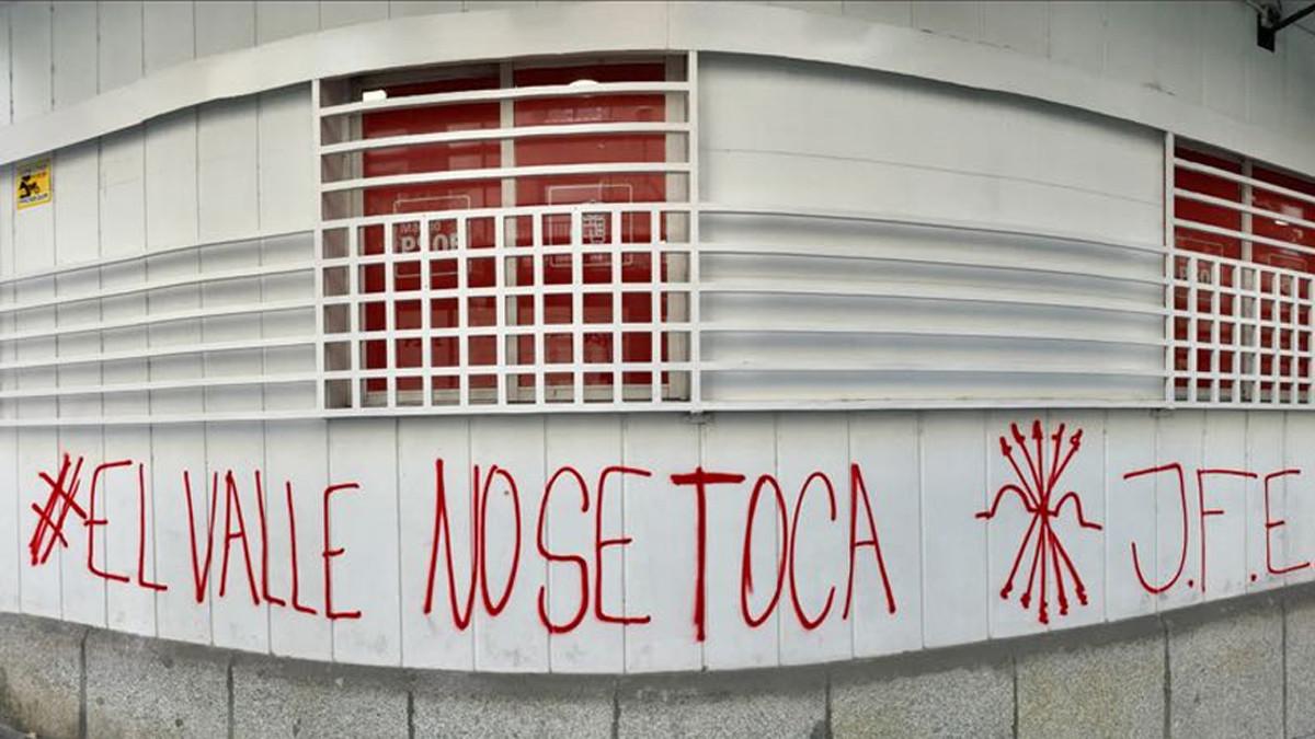 """Sánchez insiste en su plan para el Valle de los Caídos: los monumentos que """"ensalcen la dictadura pronto serán pasado"""""""