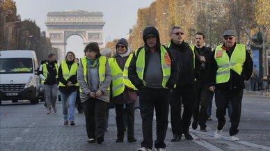 La revuelta de los 'chalecos amarillos' desafía a Macron