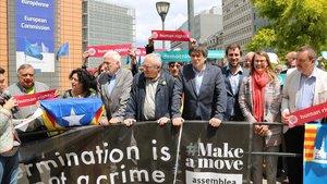 Puigdemont encabeza una manifestación este jueves, ante la Comisión Europea, en Bruselas.
